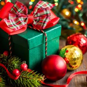 Как покупать подарки на Новый год, чтобы успеть к сроку и не разориться?